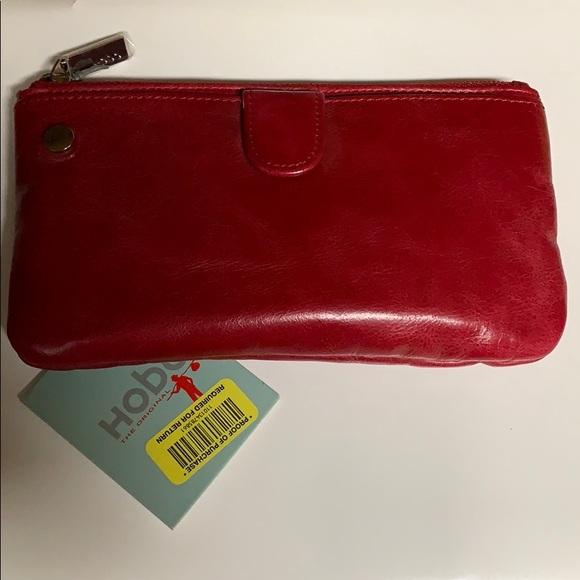 HOBO Handbags - HOBO BESS wristlet/crossbody